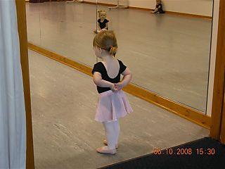 Mia's first dance lesson 006