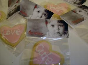 Valentine_cookies_close_web